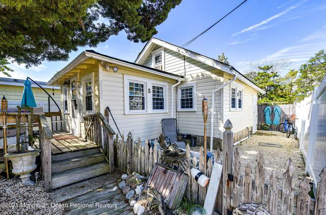 252 W 17th Street C, Ship Bottom, NJ 08008 (MLS #22129452) :: The MEEHAN Group of RE/MAX New Beginnings Realty