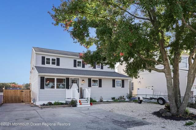 531 Laurel Boulevard, Lanoka Harbor, NJ 08734 (MLS #22134133) :: The MEEHAN Group of RE/MAX New Beginnings Realty