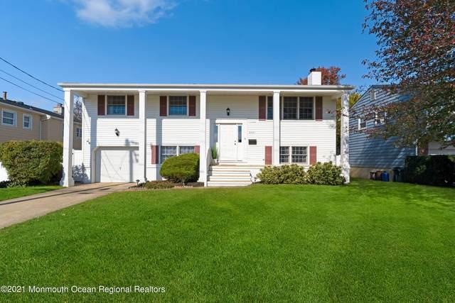 2031 Riviera Parkway, Point Pleasant, NJ 08742 (MLS #22134778) :: The MEEHAN Group of RE/MAX New Beginnings Realty