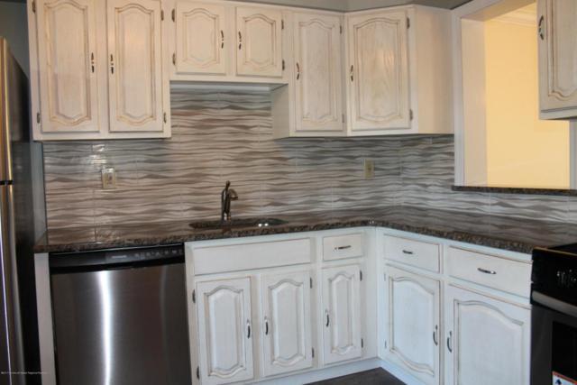 42 Lindsay Court #7, Freehold, NJ 07728 (MLS #21738181) :: The Dekanski Home Selling Team