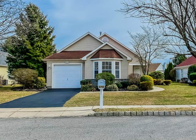 2329 E Ashfield Court, Toms River, NJ 08755 (MLS #22006733) :: The MEEHAN Group of RE/MAX New Beginnings Realty