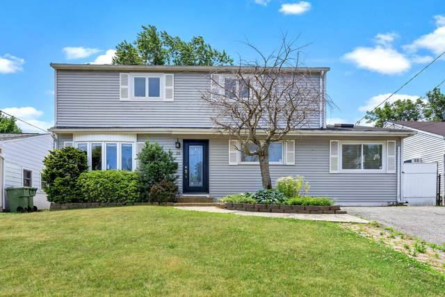 20 Cypress Drive, Parlin, NJ 08859 (MLS #22020706) :: The MEEHAN Group of RE/MAX New Beginnings Realty