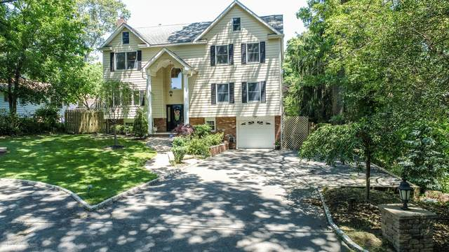 132 E Mount Avenue, Atlantic Highlands, NJ 07716 (MLS #22022041) :: The MEEHAN Group of RE/MAX New Beginnings Realty