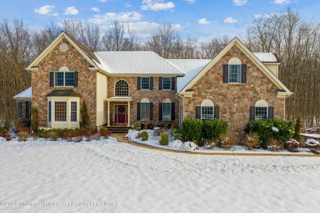 2 Country Brook Lane, Monroe, NJ 08831 (MLS #22039156) :: Caitlyn Mulligan with RE/MAX Revolution