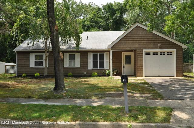 33 Chestnut Way Circle, Barnegat, NJ 08005 (MLS #22117971) :: Kiliszek Real Estate Experts
