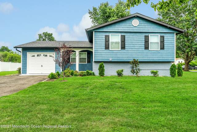 564 Duchess Court, Toms River, NJ 08753 (MLS #22121361) :: The MEEHAN Group of RE/MAX New Beginnings Realty