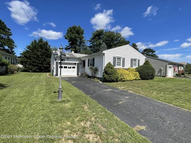 1042 E Edgebrook Drive, Toms River, NJ 08757 (MLS #22127565) :: The Ventre Team