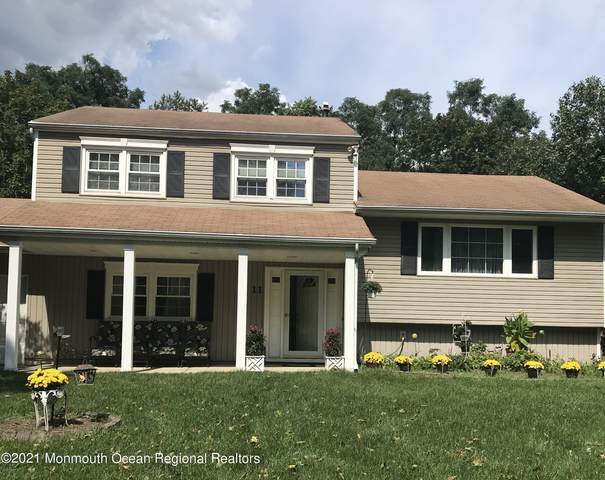 11 Browning Place, Manalapan, NJ 07726 (MLS #22128884) :: The MEEHAN Group of RE/MAX New Beginnings Realty