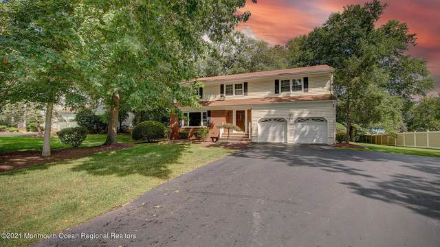 14 Friar Lane, Manalapan, NJ 07726 (MLS #22131048) :: Laurie Savino Realtor