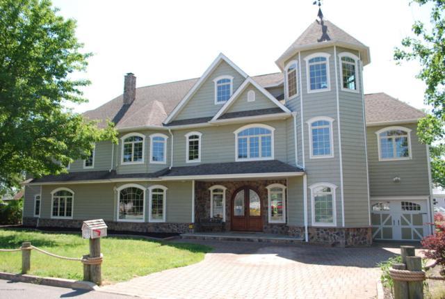 19 Hollybrook Drive, Toms River, NJ 08753 (MLS #21721225) :: The Dekanski Home Selling Team