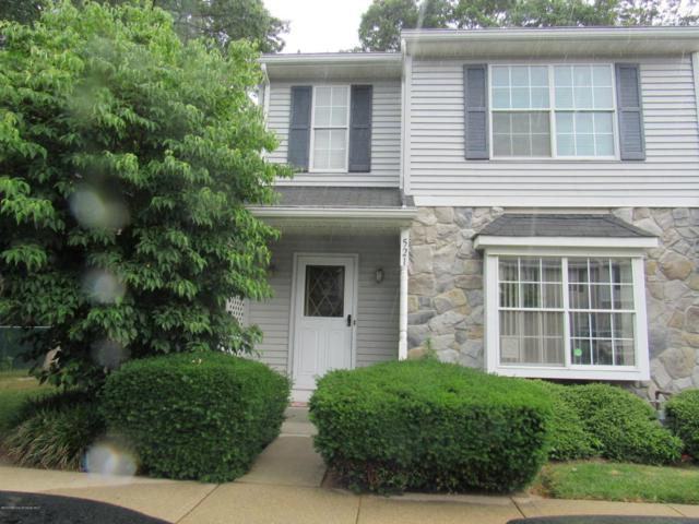 521 Davids Court, Lakewood, NJ 08701 (MLS #21725860) :: The Dekanski Home Selling Team