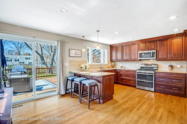 28 Spruce Drive, Shrewsbury Boro, NJ 07702 (MLS #22108798) :: PORTERPLUS REALTY