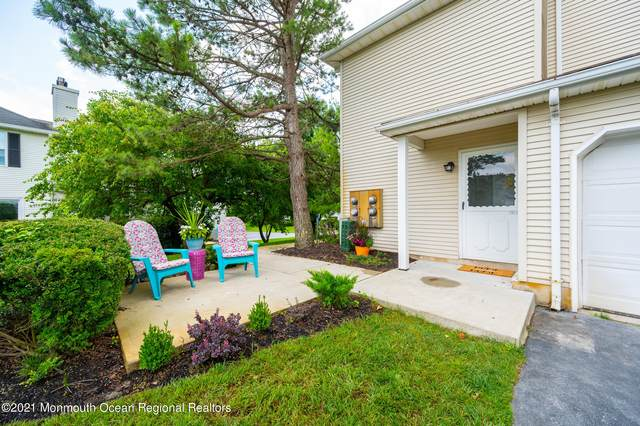26 Racquet Road, Wall, NJ 07719 (MLS #22121212) :: The MEEHAN Group of RE/MAX New Beginnings Realty