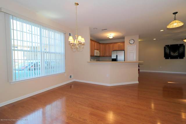 47 Winkle Court, Whiting, NJ 08759 (MLS #21945112) :: The MEEHAN Group of RE/MAX New Beginnings Realty