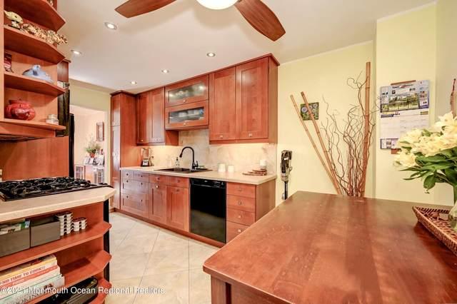 187 Longwood Drive 18-7, Manalapan, NJ 07726 (MLS #22132333) :: Corcoran Baer & McIntosh