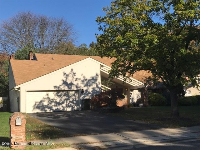 42 St Lawrence Way, Marlboro, NJ 07746 (MLS #21640891) :: The Dekanski Home Selling Team
