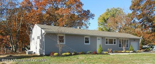 22 Clark Drive, Howell, NJ 07731 (MLS #21642328) :: The Dekanski Home Selling Team