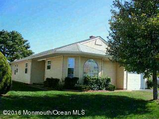 10 Oakengates Drive, Toms River, NJ 08757 (MLS #21643302) :: The Dekanski Home Selling Team