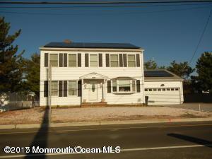 269 Route 35 N, Mantoloking, NJ 08738 (MLS #21702222) :: The Dekanski Home Selling Team