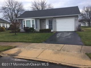 4 Berkshire Court, Brick, NJ 08724 (MLS #21704193) :: The Dekanski Home Selling Team