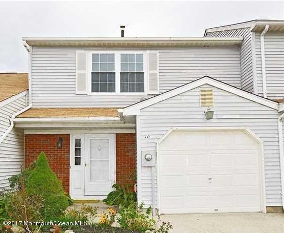 10 Birch Lane, Eatontown, NJ 07724 (MLS #21704757) :: The Dekanski Home Selling Team