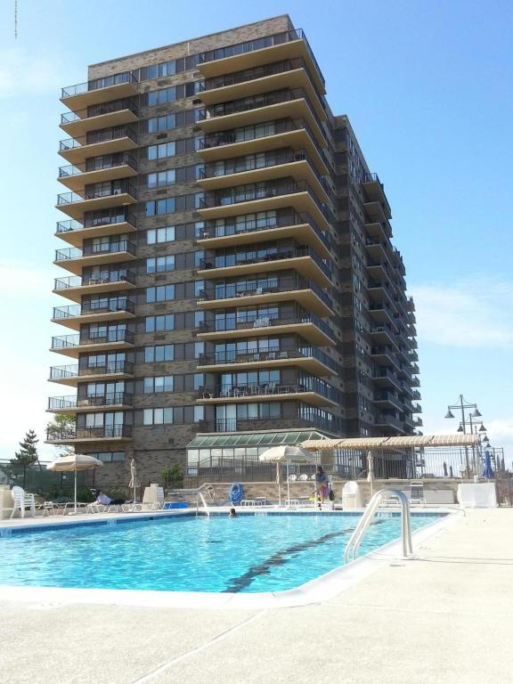 55 Ocean Avenue Ph-H, Monmouth Beach, NJ 07750 (MLS #21706672) :: The Dekanski Home Selling Team