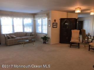 30 Hogan Lane #22, Red Bank, NJ 07701 (MLS #21708517) :: The Dekanski Home Selling Team