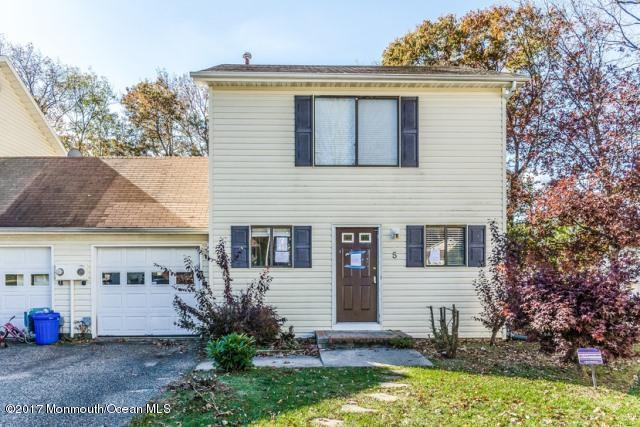 5 Desiree Court, Howell, NJ 07731 (MLS #21709224) :: The Dekanski Home Selling Team