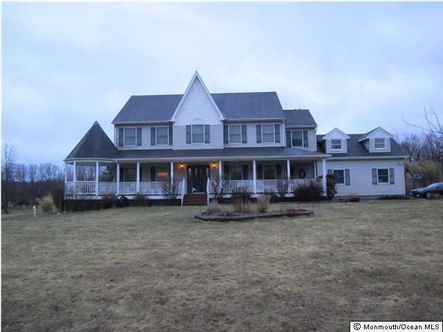 3 Whispering Spring Drive, Millstone, NJ 08510 (MLS #21710051) :: The Dekanski Home Selling Team