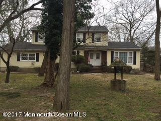 2015 Fanwood Street, Oakhurst, NJ 07755 (MLS #21710183) :: The Dekanski Home Selling Team