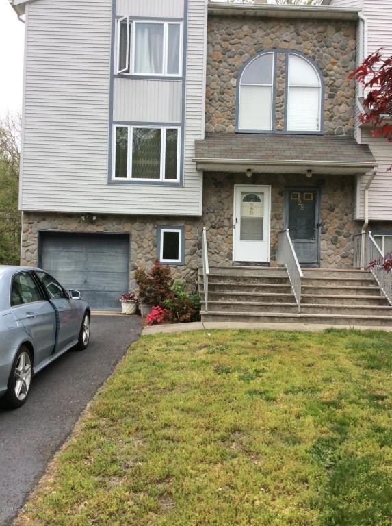 26 Lone Star Lane, Englishtown, NJ 07726 (MLS #21711044) :: The Dekanski Home Selling Team