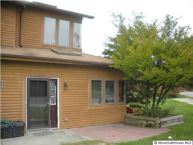 124 Brandywine Court, Brick, NJ 08724 (MLS #21711675) :: The Dekanski Home Selling Team