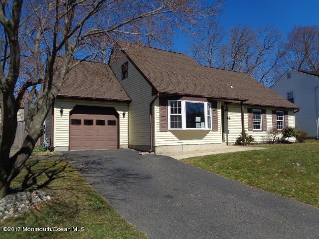14 Standish Drive, Howell, NJ 07731 (MLS #21711765) :: The Dekanski Home Selling Team