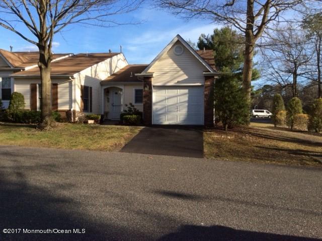 51 Woodshill Drive S #1000, Lakewood, NJ 08701 (MLS #21712765) :: The Dekanski Home Selling Team