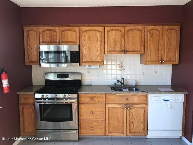 23 Alden Terrace, Howell, NJ 07731 (MLS #21712797) :: The Dekanski Home Selling Team