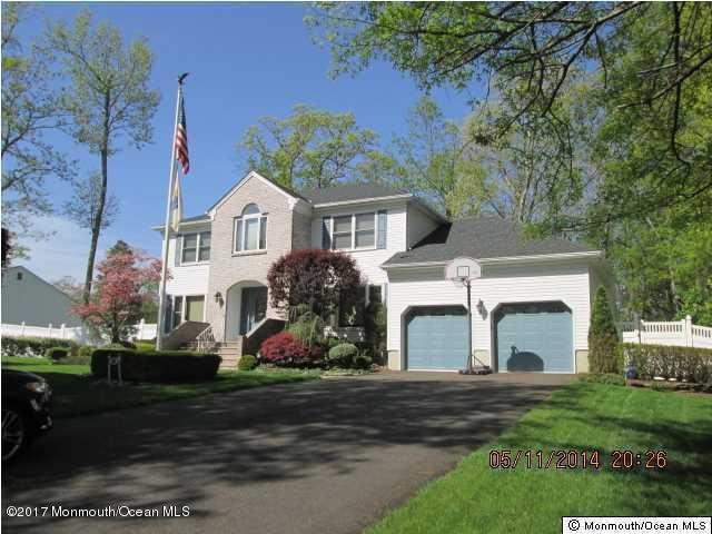 30 Kimberly Court, Manalapan, NJ 07726 (MLS #21712942) :: The Dekanski Home Selling Team