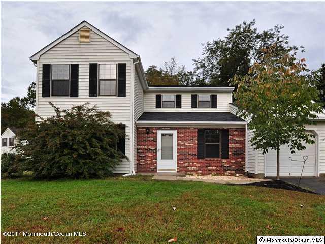 61 Mariners, Freehold, NJ 07728 (MLS #21713177) :: The Dekanski Home Selling Team