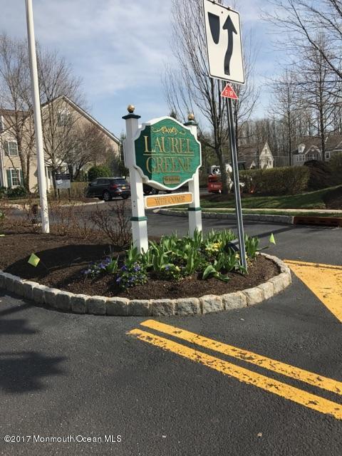 81 Ironwood Court, Middletown, NJ 07748 (MLS #21713702) :: The Dekanski Home Selling Team