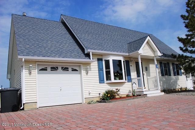 44 Benjamin Boulevard, Manahawkin, NJ 08050 (MLS #21714517) :: The Dekanski Home Selling Team