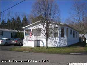 66 Village Road, Morganville, NJ 07751 (MLS #21714733) :: The Dekanski Home Selling Team