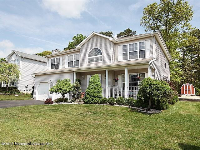 66 Diamond Lane, Howell, NJ 07731 (MLS #21715061) :: The Dekanski Home Selling Team