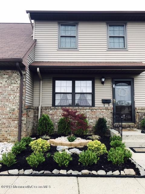 3 Village Green Way, Hazlet, NJ 07730 (MLS #21715201) :: The Dekanski Home Selling Team