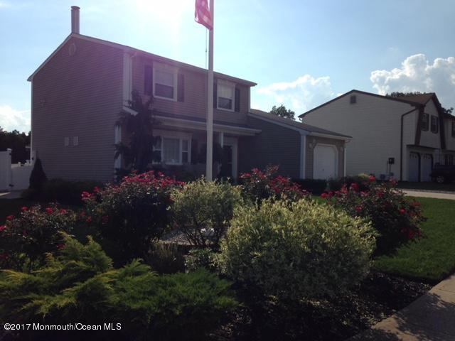 129 Marilyn Drive, Brick, NJ 08723 (MLS #21715688) :: The Dekanski Home Selling Team