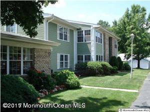 28 Hogan Lane, Middletown, NJ 07748 (MLS #21716016) :: The Dekanski Home Selling Team