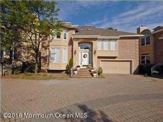 243 Avenel Court, Holmdel, NJ 07733 (MLS #21716947) :: The Dekanski Home Selling Team