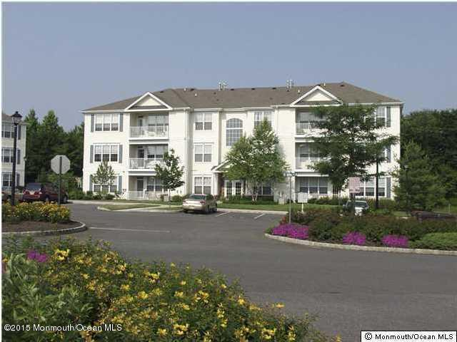 679 Saint Andrews Place, Manalapan, NJ 07726 (MLS #21718762) :: The Dekanski Home Selling Team