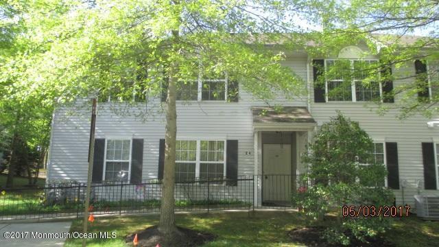 32 Thrasher Court, Marlboro, NJ 07746 (MLS #21719303) :: The Dekanski Home Selling Team