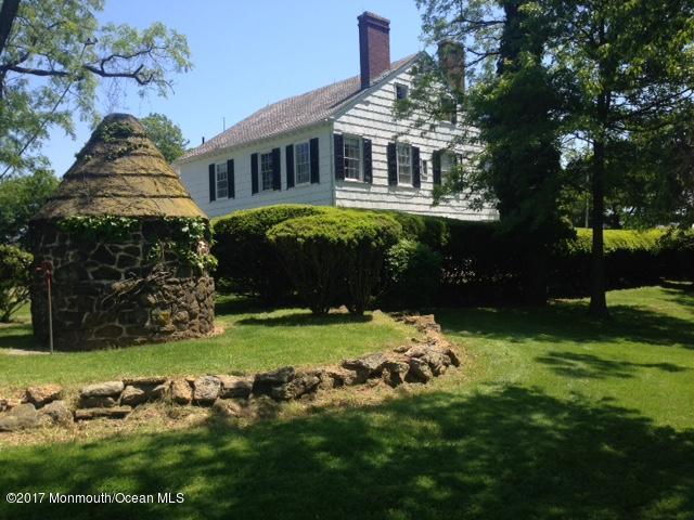5 Hop Brook Lane, Holmdel, NJ 07733 (MLS #21719478) :: The Dekanski Home Selling Team