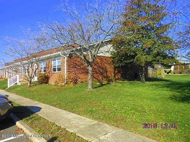 82 Bayview Court #109, Brick, NJ 08724 (MLS #21720729) :: The Dekanski Home Selling Team