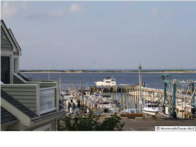 106 Marina Bay Court, Highlands, NJ 07732 (MLS #21722332) :: The Dekanski Home Selling Team